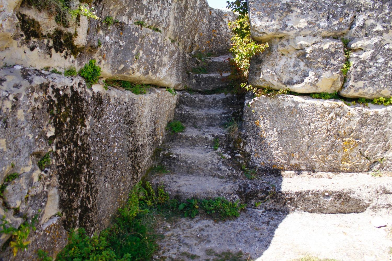 Мой отзыв о посещении пещерного города Мангуп-Кале: стоимость билета, пеший подъем, руины и завораживающий вид