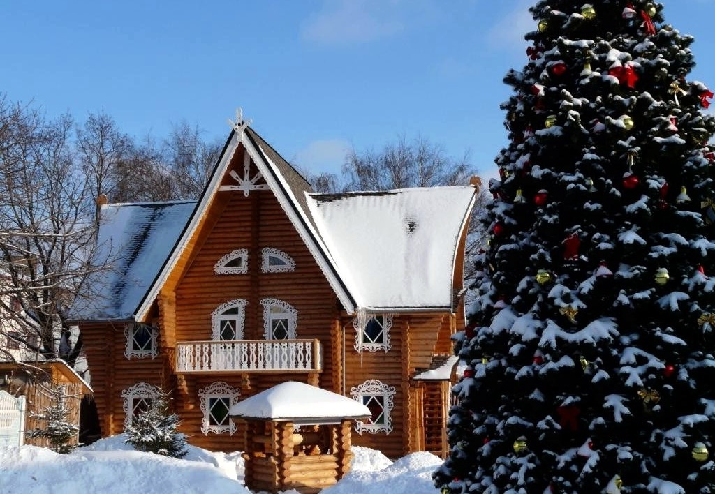 В гости к новогоднему волшебнику: где в России находится дом Деда Мороза?