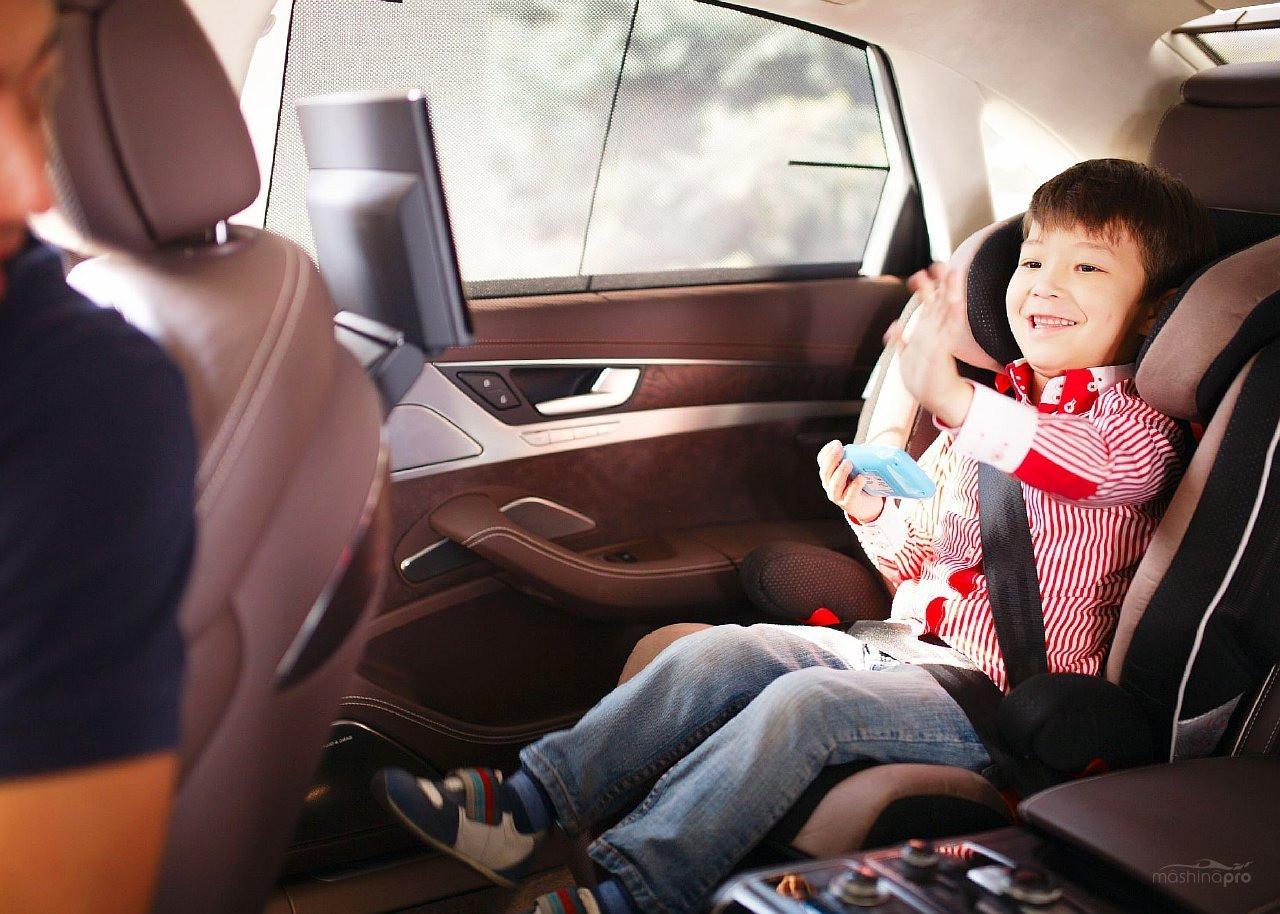 Как правильно перевозить детей в машине?