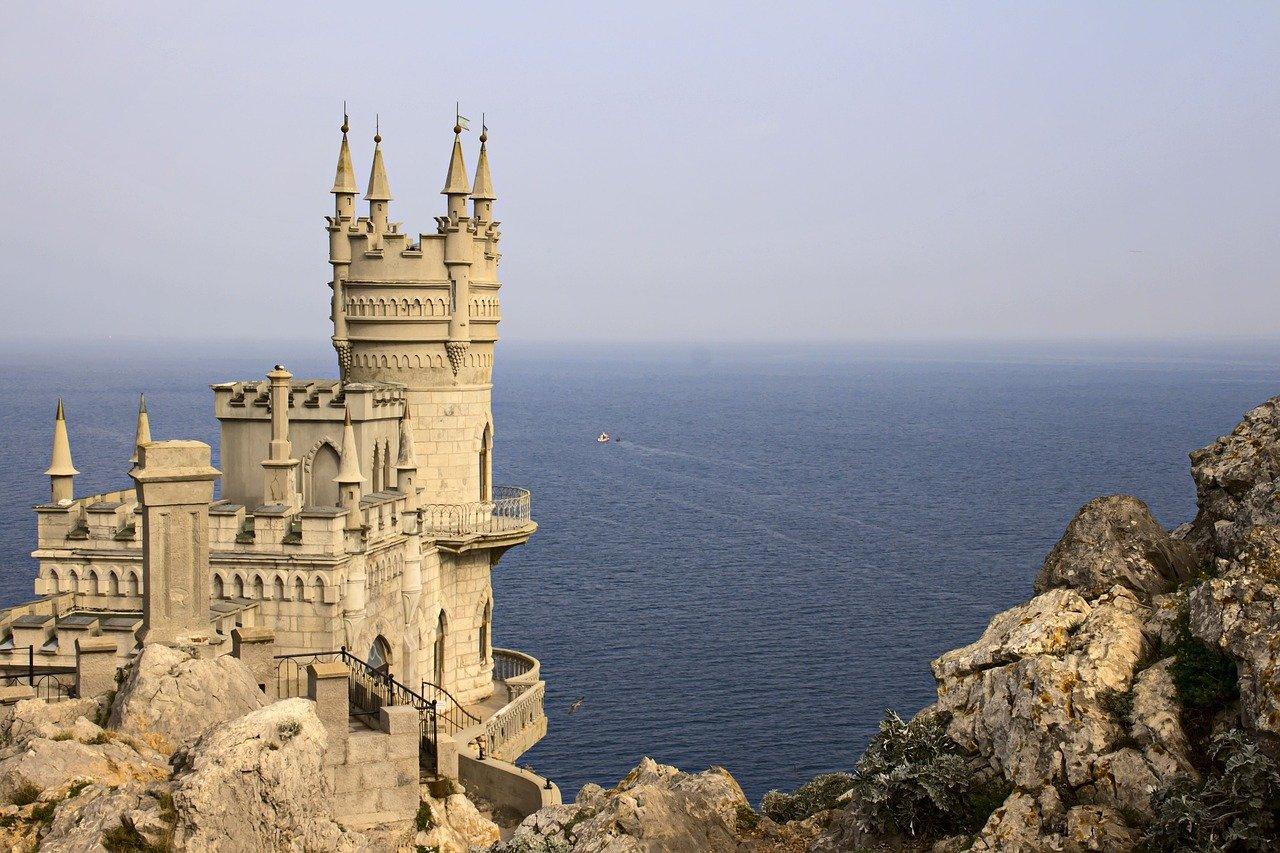 Черное море или Азовское? Где и почему лучше отдыхать летом