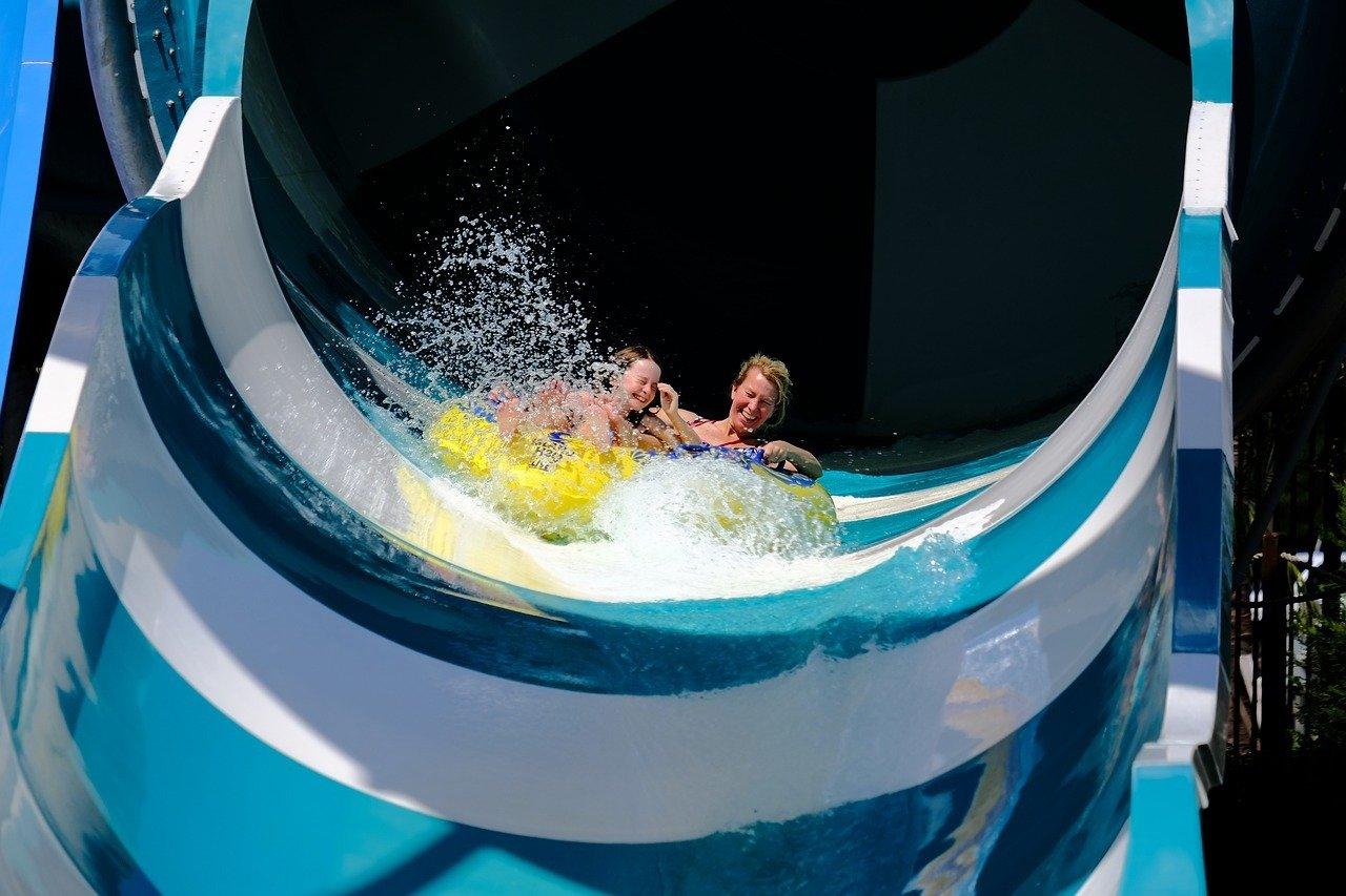 Что нужно знать перед посещением аквапарка: советы и рекомендации для активного отдыха без проблем