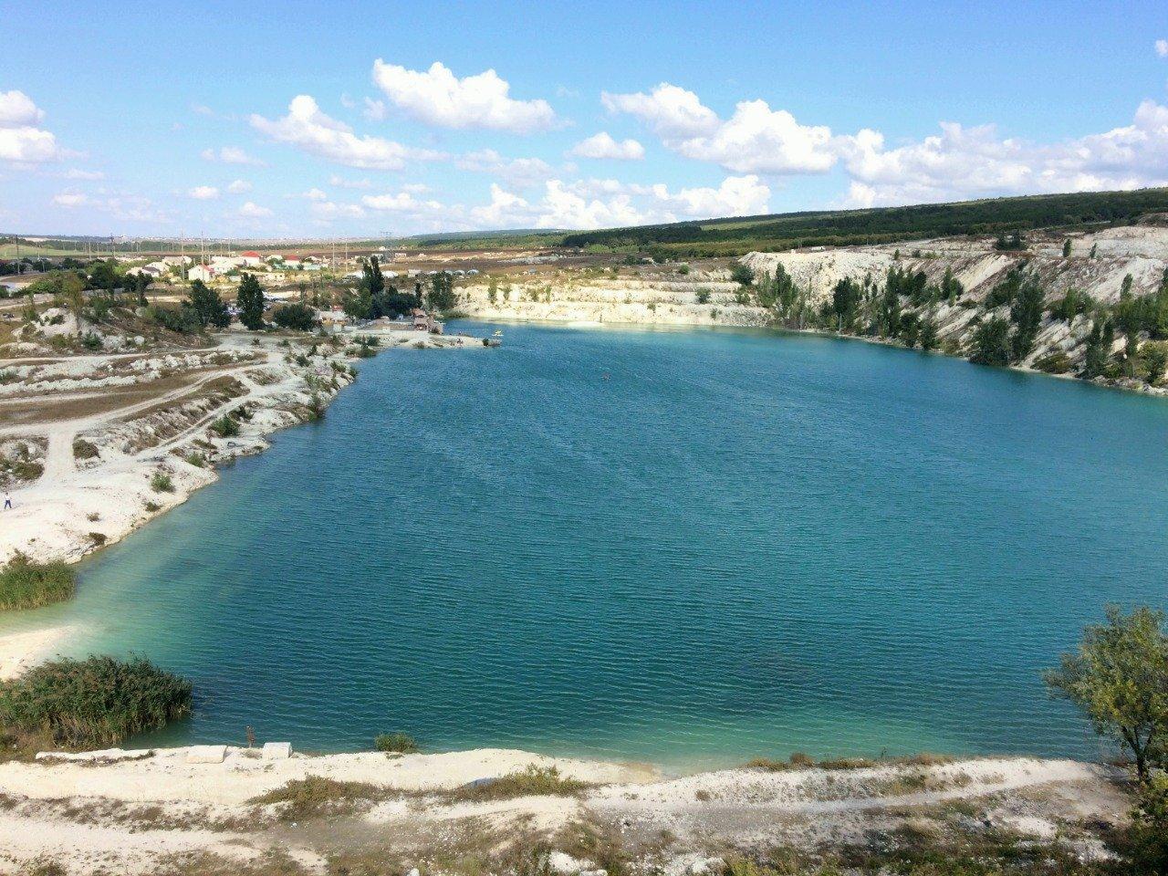 «Космическое» озеро в Скалистом (Крым)