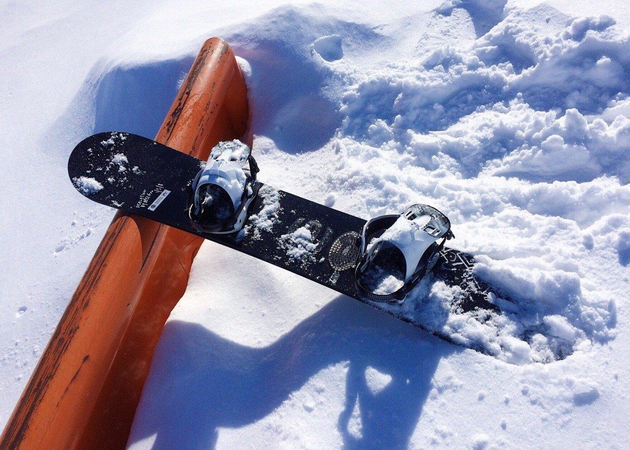 Как избежать травм сноубордистам и лыжникам на склоне