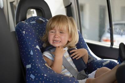 Что делать, если ребенок капризничает в дороге?