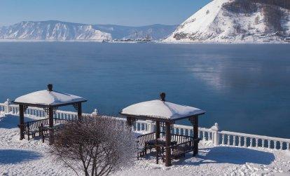 Что привезти из Иркутска? Оригинальные подарки и сувениры с Байкала