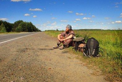Что взять в поездку автостопом? Главные ошибки при сборе вещей и полезные советы
