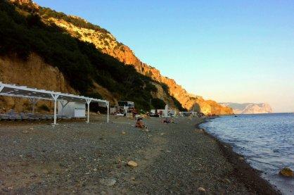 «Фитнес-пляж» на мысе Фиолент недалеко от Севастополя