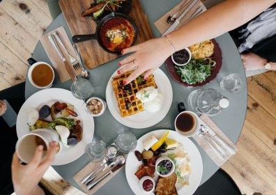 Типы питания в отелях и какой вариант лучше выбрать