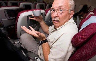 Дорожный этикет: когда можно и нельзя откидывать спинку кресла в автобусе или самолете
