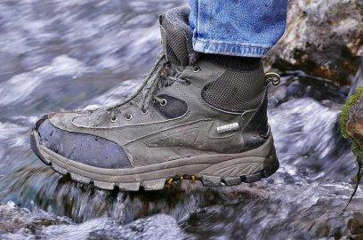 Как быстро высушить обувь в походе